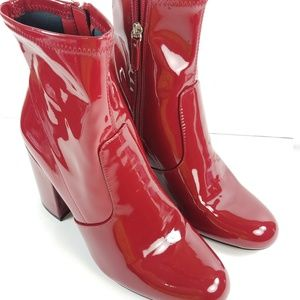 STEVE MADDEN PATENT LEATHER BOOTS